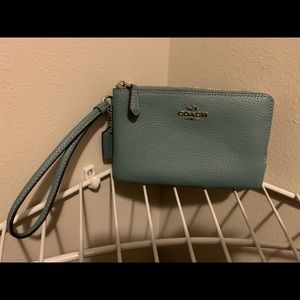 NWT Coach Double Compartment Small Wristlet